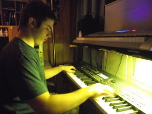 Teenage Tony using Yamaha MOX8